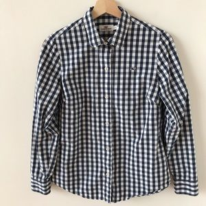 Vineyard Vines white and blue checkered top